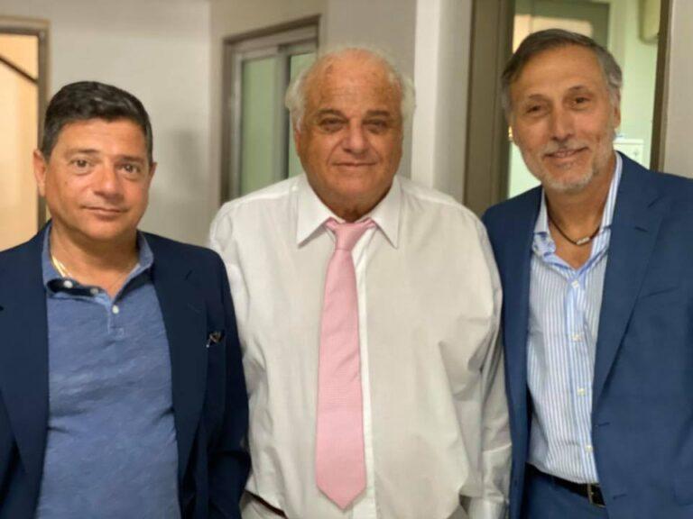 VACUNAS EN SAN ISIDRO: EL PRESIDENTE DEL CLUB ACASSUSO QUE LE SACO LA VACUNA AL PERSONAL DE SALUD